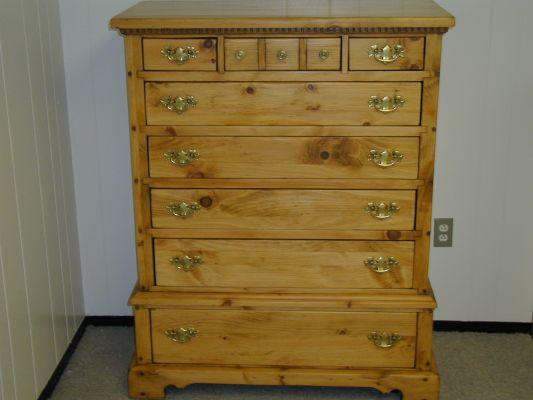 Bennington Pine Dresser