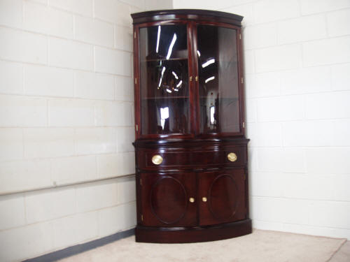 corner curio cabinets with glass doors in august 2017. Black Bedroom Furniture Sets. Home Design Ideas